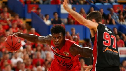 Wildcats beat Hawks 89-74 to face Breakers in NBL final